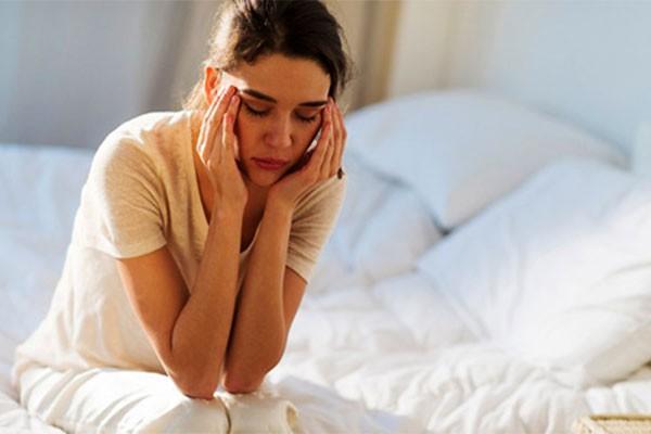 Tiền kinh nguyệt khiến nữ giới bị đau bụng dưới